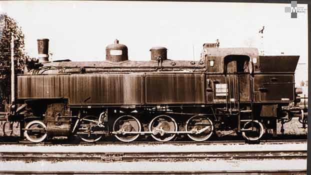 Štrekna - Lokomotive vrste JŽ 153 (K.k. Stb99) so bile namenjene vleki potniških vlakov po lokalnih progah. Pri nas so bile v uporabi od otvoritve proge do leta 1938.