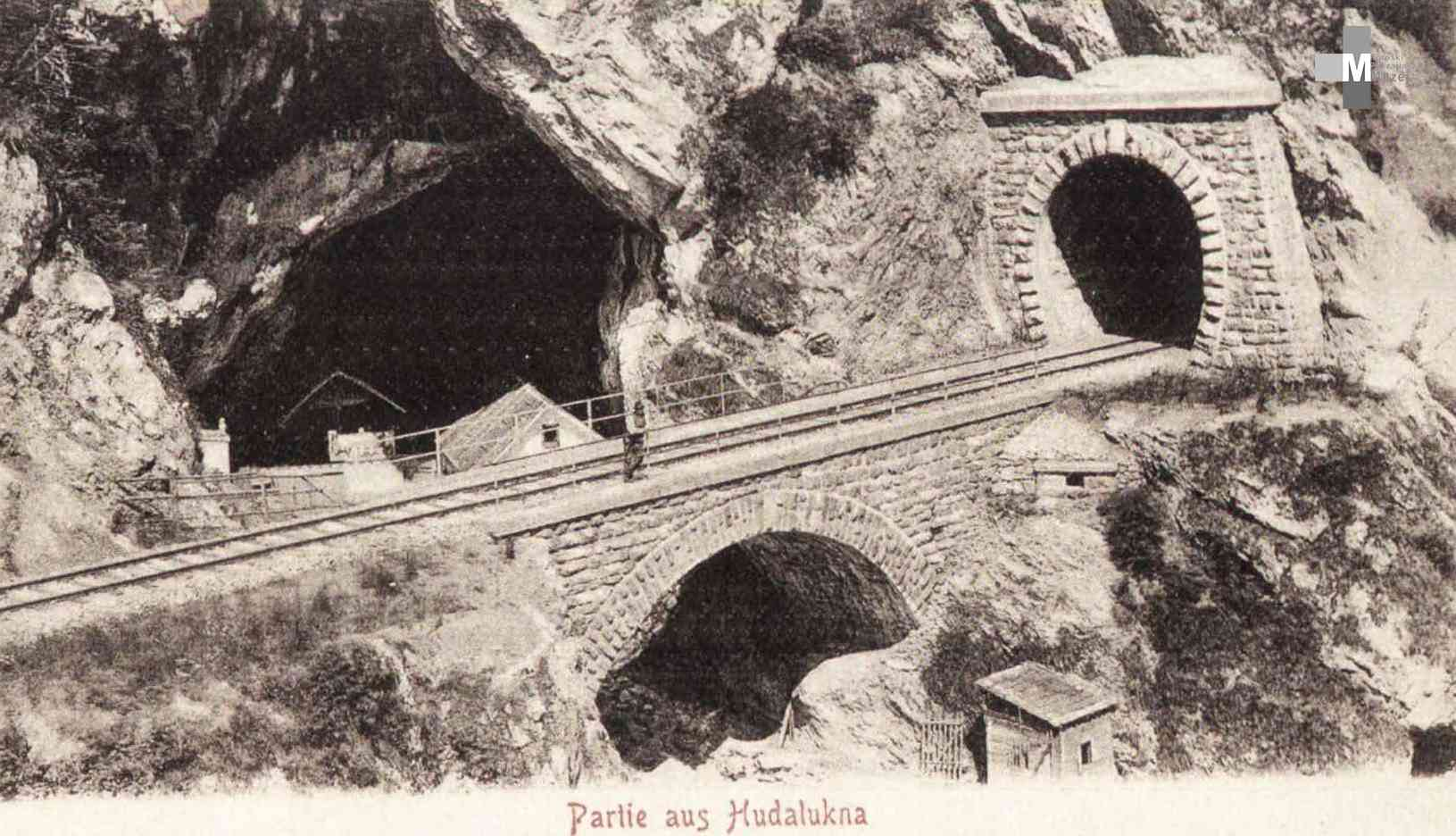 Štrekna - Kamniti ločni most z odprtino 10 m čez potok Ponikva.